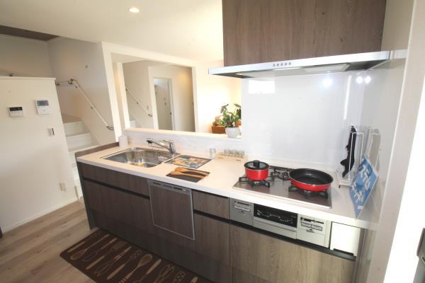 キッチン-使い勝手の良いシステムキッチン^^食洗機付きで家事も便利に。 現地写真2018.12.16撮影