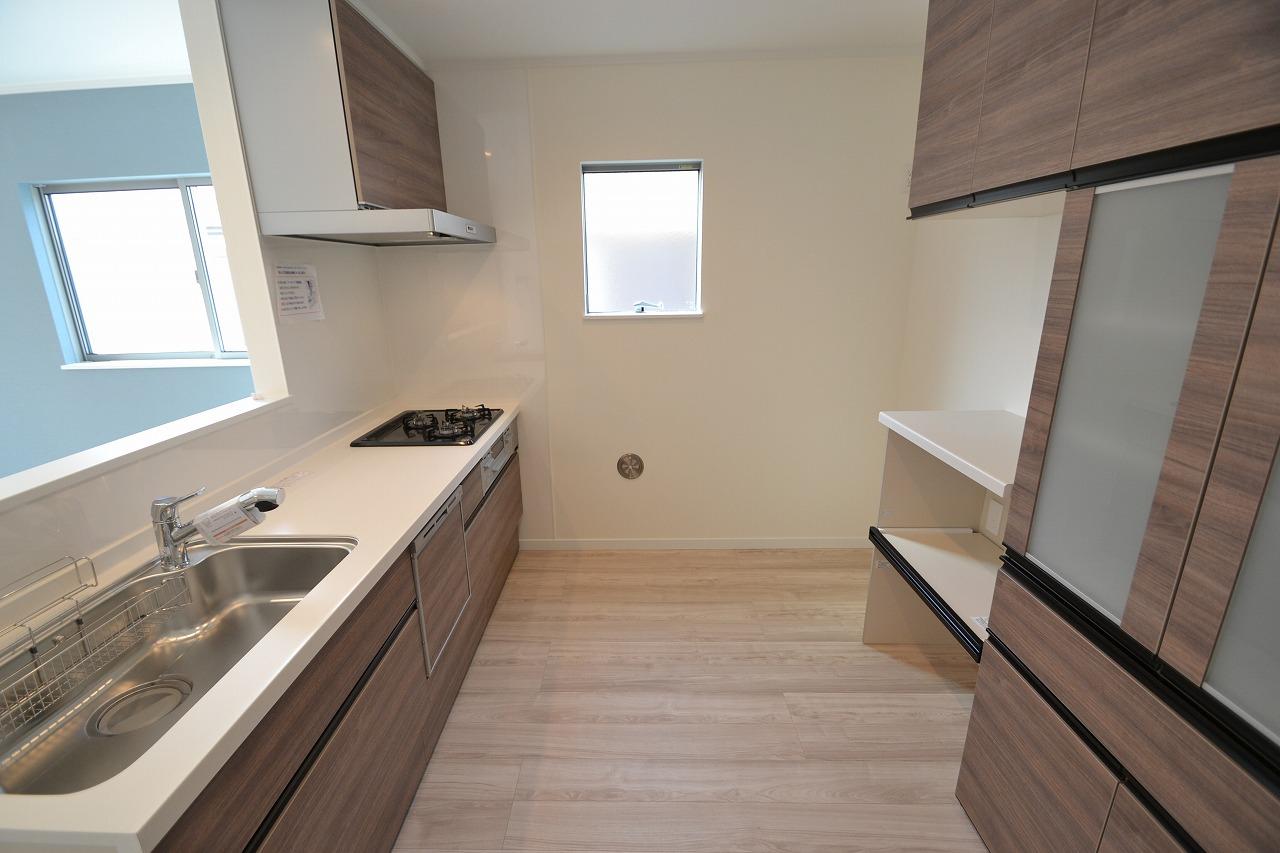 キッチン-背面収納もセットで収納上手食器洗い乾燥機