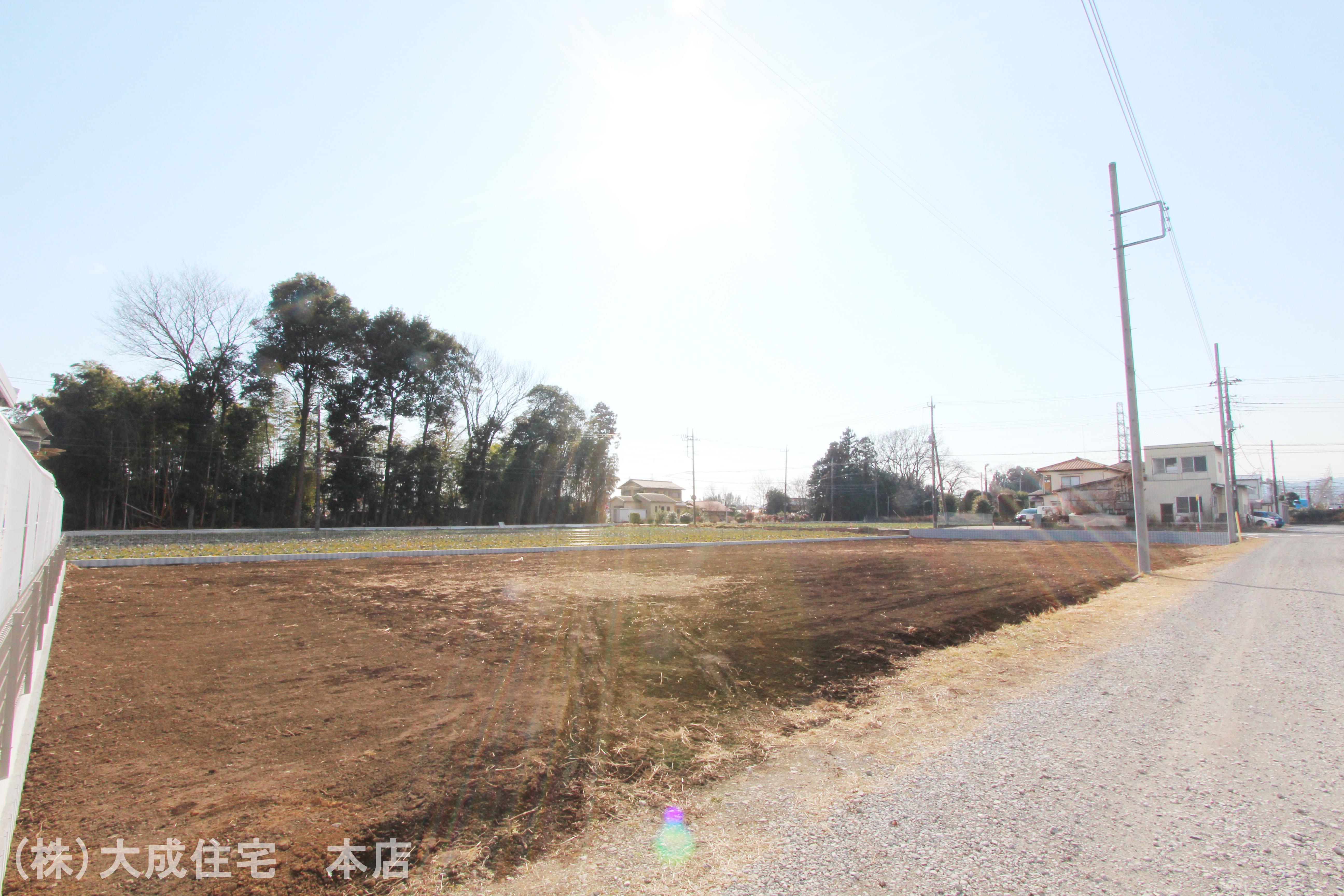 現地外観写真-現地写真2021年2月撮影 前面道路7.7mございますので、駐車もスムーズです。